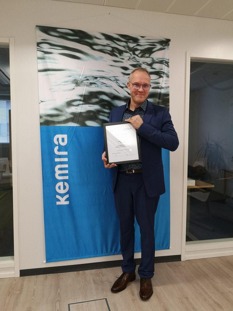 EVOn verkostopäällikkö Kimmo Viinikka palkittiin vuoden 2020 Kemira-palkinnolla